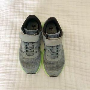 Boys Under Armour Tennis Shoes
